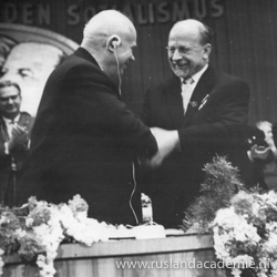 Nikita Chroesjtsjov en Walter Ulbricht, Berlijn, 21 januari 1963. / Foto: © Bundesarchiv, Bild 183-B0121-0010-058 / Sturm, Horst / CC-BY-SA 3.0.