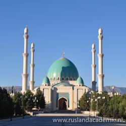 Saparmurat Hajji Moskee - Geok Tepe, Turkmenistan. / Foto: © Bruno Ghuijs.