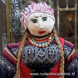 Gebreide pop in het centrum van Tallinn, Estland. / Foto: © 2014 Trijnie Duut.