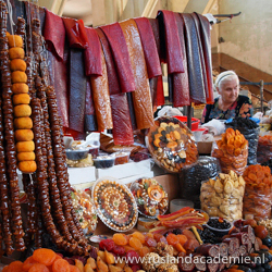 Kleurrijke marktkraam in Yerevan, Armenië. / Foto: © Shaun Dunphy from Lindfield, United Kingdom.