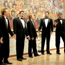 Een aantal mannen van het Russisch-orthodoxe ensemble 'Zlatoust'.
